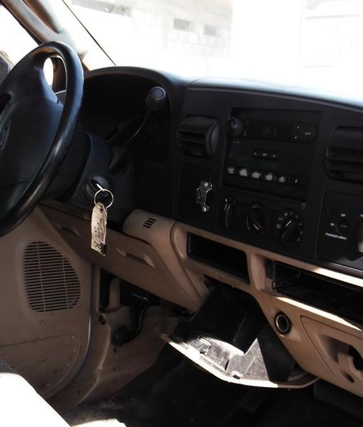 camion-ford-f-550-diesel-impecable-plataf-nueva-precio-neto-2967-MLM3760352039_022013-F