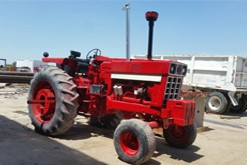 muestra tractor gruas