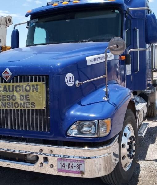 tractocamion-international-9400-100-mexicano-precio-neto-D_NQ_NP_977929-MLM31182264261_062019-F